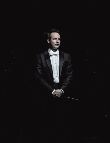 Case Scaglione, chef d'orchestre