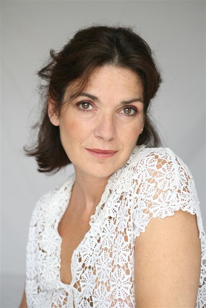 Anne Canovas Net Worth