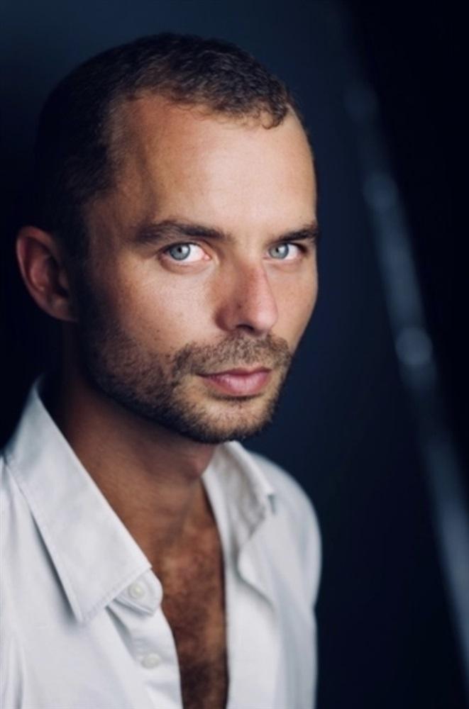 Geoffrey Couët- Artist Profil - Actor - AgencesArtistiques