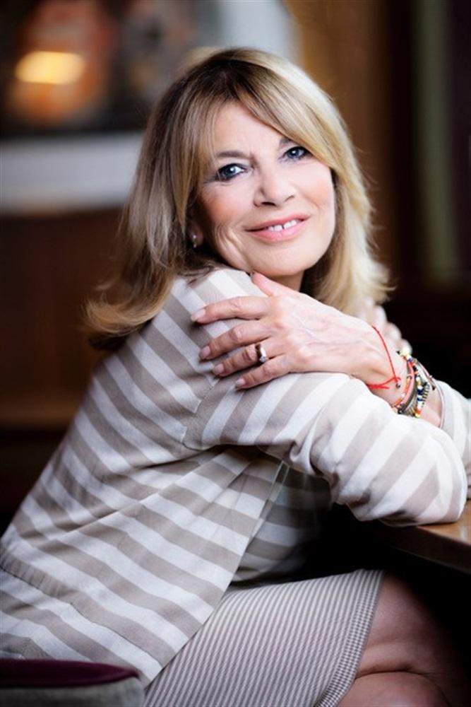 Nicole CALFAN- Fiche Artiste - Artiste interprète