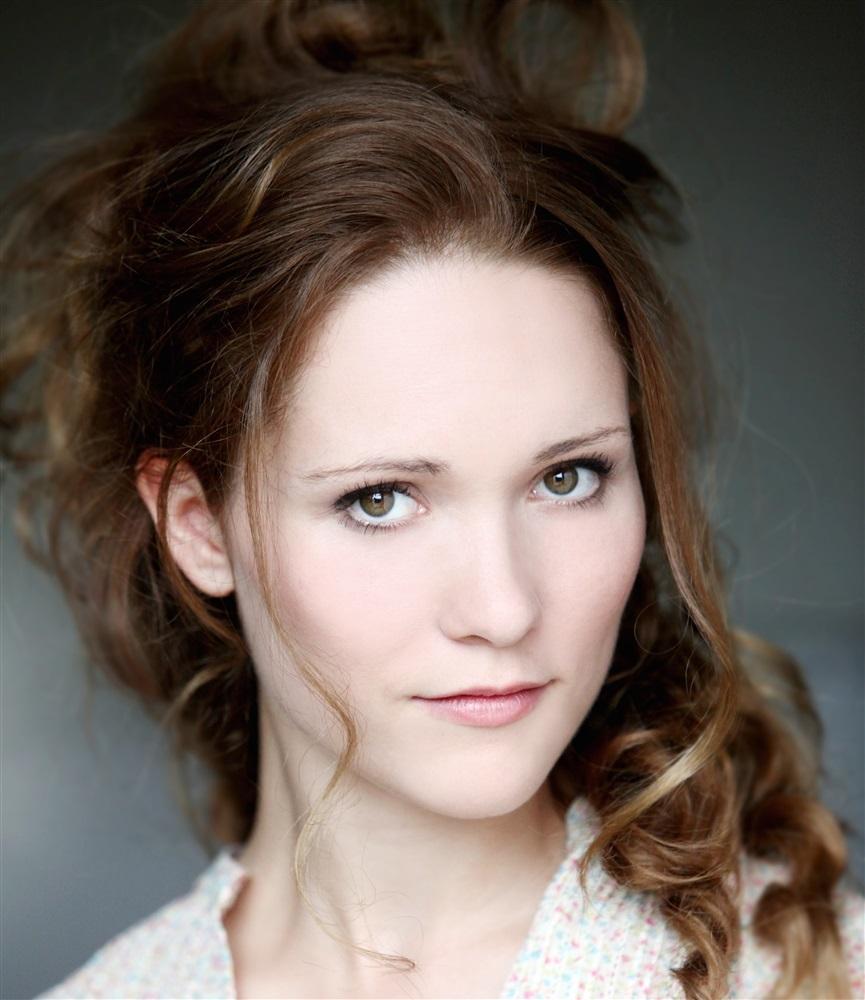 Claire SERMONNE- Fiche Artiste - Artiste interprète