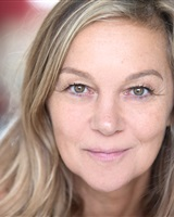 Stephanie Cosserat<br />&copy; Céline Nieszawer
