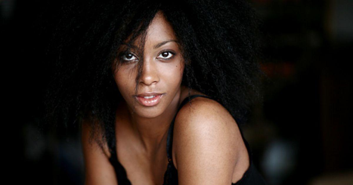 Photo de Dorylia Calmel dans le film Notre Étrangère